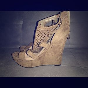 Olive Green Guess Wedges NWOT